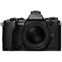 Цифрова системна фотокамера Olympus E-M5 mark II 14-150 II Kit black/black