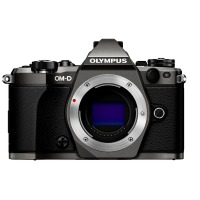 Цифрова системна фотокамера Olympus E-M5 mark II Body black
