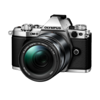 Цифрова системна фотокамера Olympus E-M5 mark II 14-150 II Kit silver/black